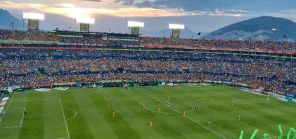 Tigres vs Chivas, Estadio Universitario