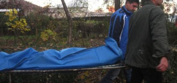 barbatul in varsta de 60 ani si-a ucis mama