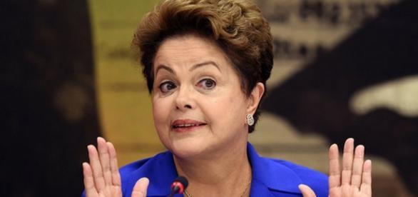 Dilma diz que ela não deixa governo