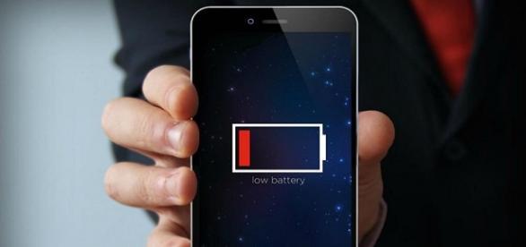 află de ce se descarcă bateria