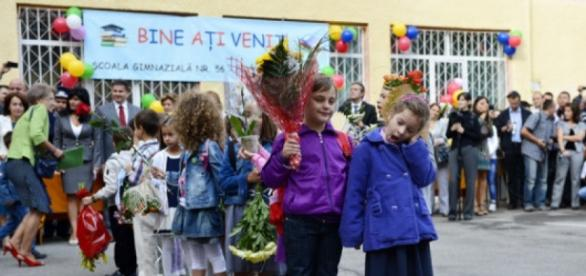 Începe un Nou An Școlar pentru elevii români