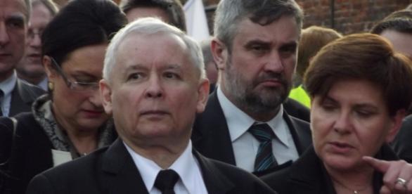 Szydło i Kaczyński mamią wyborców.
