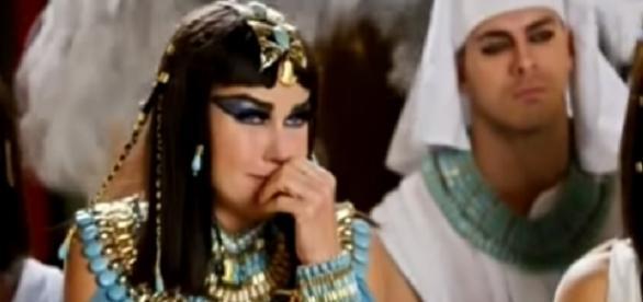 Xuxa apela para 'Os Dez Mandamentos'