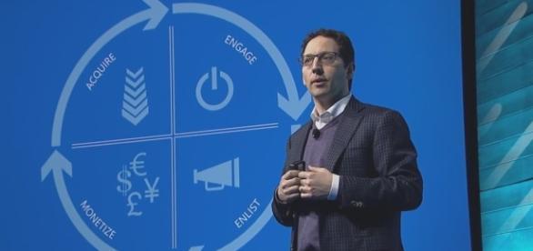 Chris Capossela on Future of Windows 10 Mobile