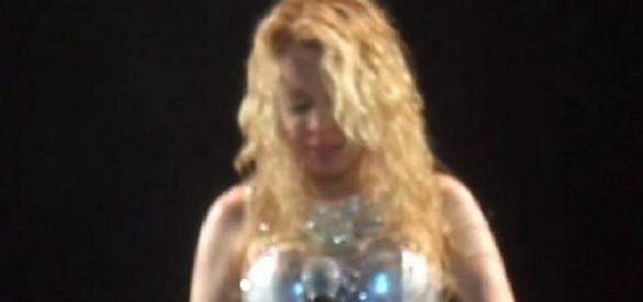 Joelma chora em show sem Chimbinha
