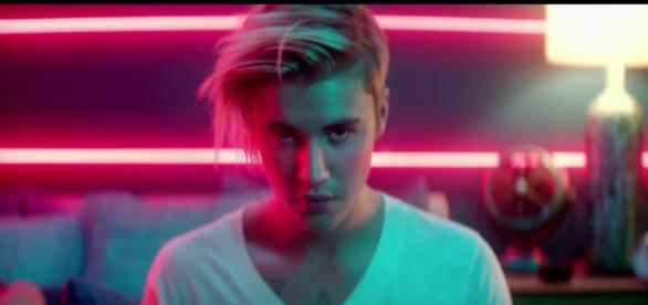 Justin Bieber tem fortuna de 700 milhões de reais