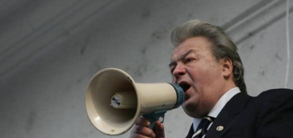 Corneliu Vadim Tudor a trecut în nefiinţă