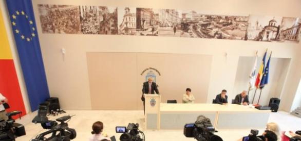 Sorin Oprescu a fost suspendat