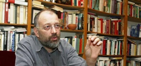 Stelian Tănase se luptă cu morile de vânt?