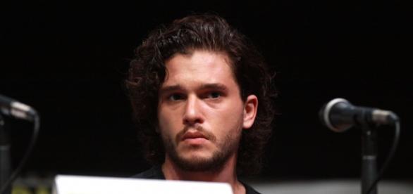 Und Jon Snow aka Kit Harington lebt doch?
