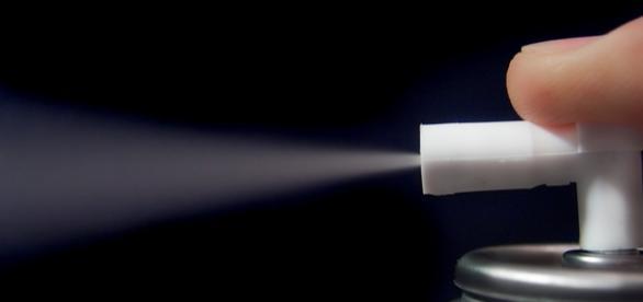 El spray contiene bacterias benignas para la piel