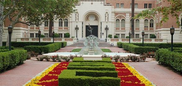 Universidade USC com bolsas de MBA.
