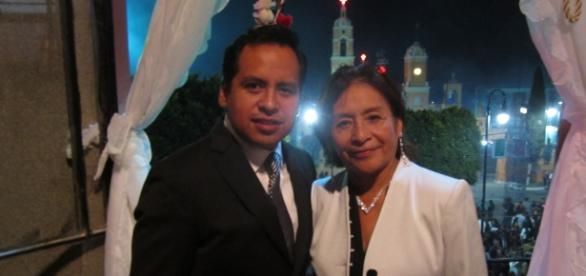 Jorge Galván presidente municipal y Marisela V.