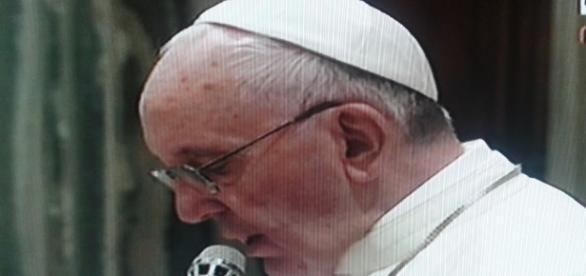 Il Papa comunica il suo Credo al mondo.