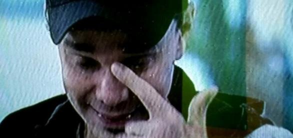 Netinho chora ao vivo no Encontro