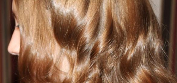 Toate femeile îşi doresc un păr strălucitor