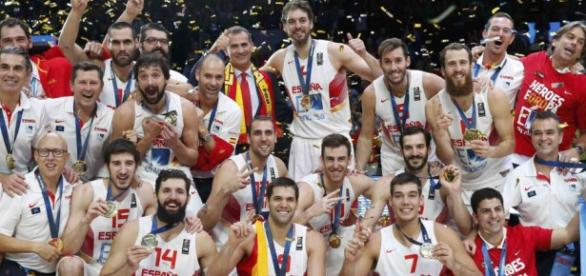 España celebrando el Eurobasket