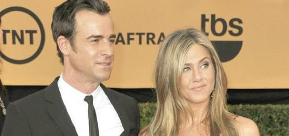 Jennifer e Justin Theroux estao casados