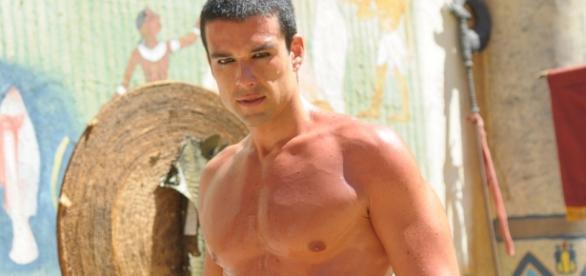 Sergio Marone tenta ser novo Rodrigo Faro