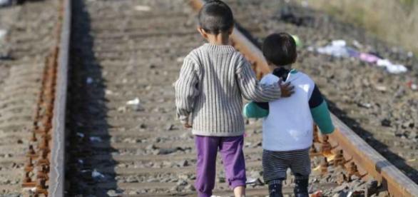 Crianças estão sofrendo nas fronteiras.