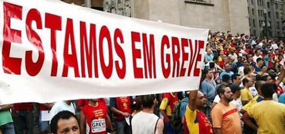 Professores em greve na cidade de São Paulo