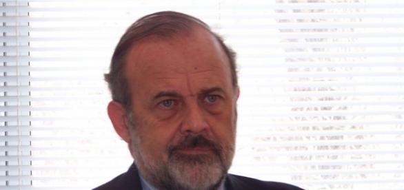 Amadeo contratado por Macri por cifras millonarias
