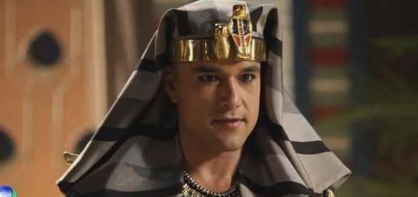 Ramsés ameaça Moisés de morte em novela
