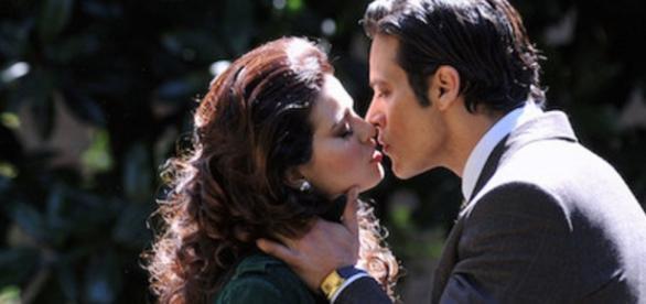 Tonio e Carmela fanno pace, l'amore mai sopito.