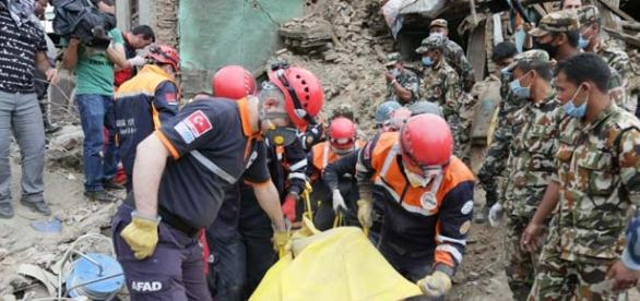 A new Indonesia earthquake causes damage and panic