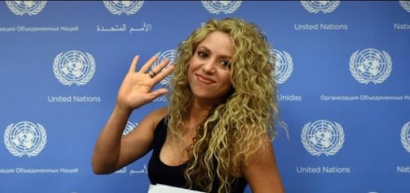 Cantora colombiana faz discurso comovente