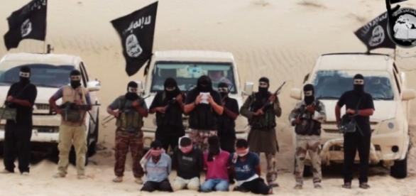 Prizonieri căzuţi în mâna militanţilor ISIS