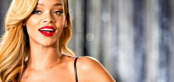 Rihanna se apresentará neste sábado.