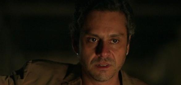 Romero conta à Toia que é filho de Djanira