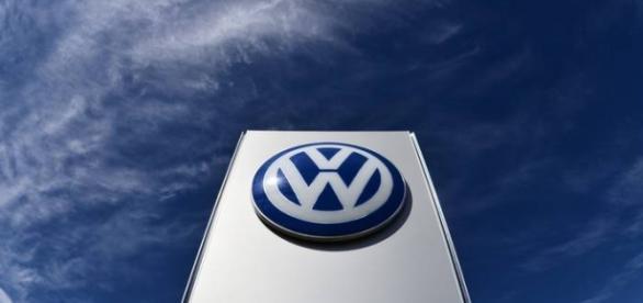 Volkswagen, montadora com imagem manchada.