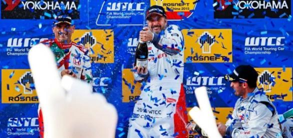 Festejo de Citroen, bicampeón mundial