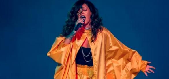Rihanna no Rock in Rio: Suposto Playback criticado