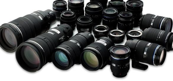 """Il nome """"paparazzi"""" per definire i fotografi"""