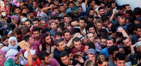 Imigranci i uchodźcy zmierzający do Europy