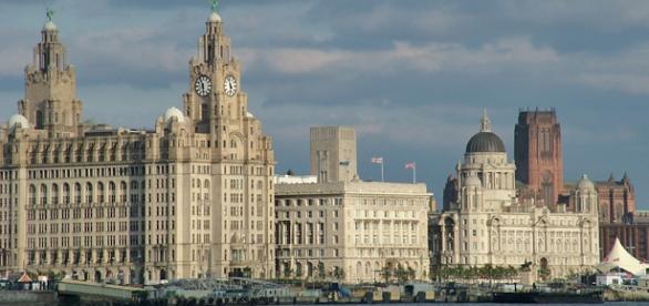 Liverpool tem mais de 2 vagas de emprego.