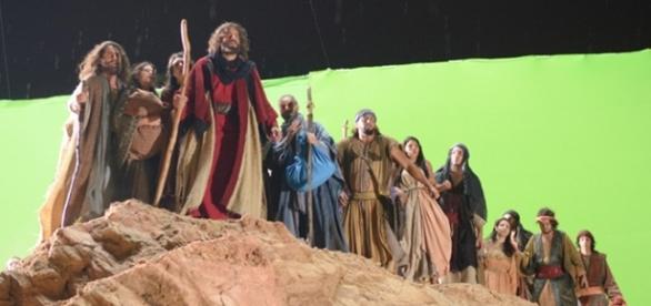 Moisés conduz os escravos libertados