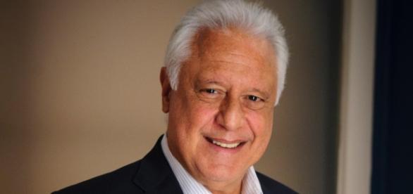 Antonio Fagundes critica Globo ao vivo