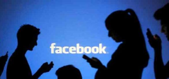 Facebook fica fora do ar novamente