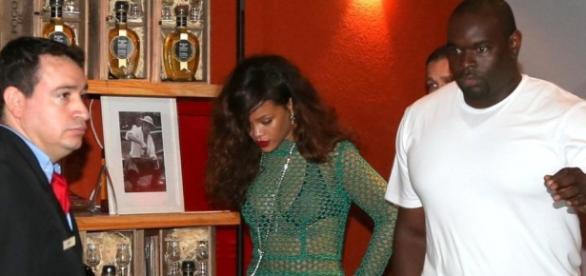 Seguranças de Rihanna agridem fotógrafos