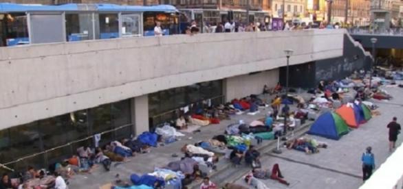 Flüchtlinge am Budapester Bahnhof / Foto: ntv