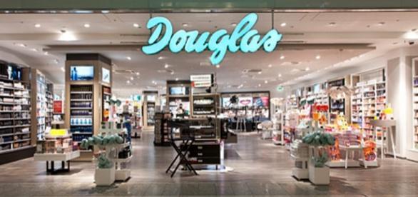 Hier wurden Pakete geöffnet: Douglas Filiale