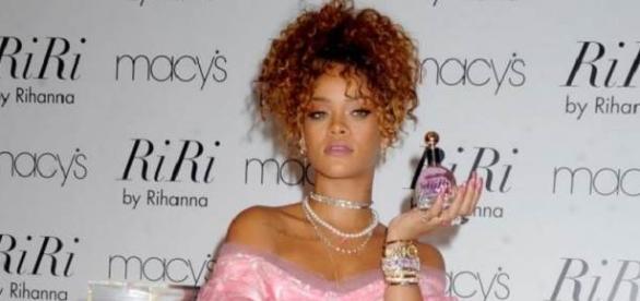 lançamento do perfume da Rihanna