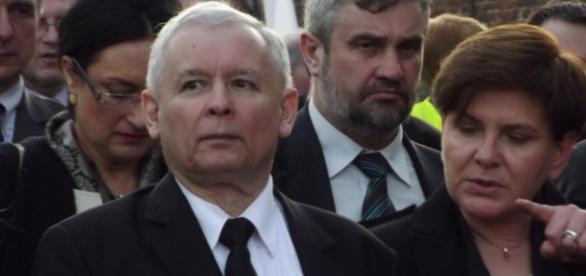 Szydło objaśnia Kaczyńskiemu misterny plan