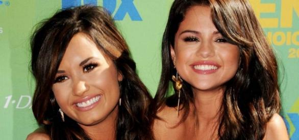 As duas cantoras continuam sem se entender.