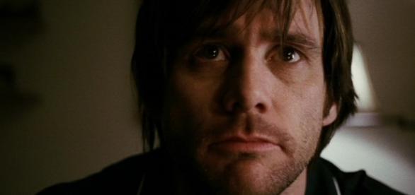 Ex-namorada de Jim Carrey se mata por amor