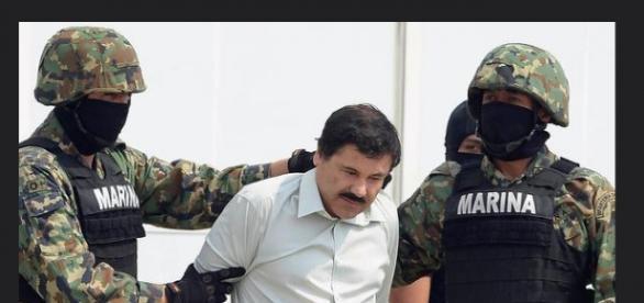 """Fotografía de """"El Chapo"""" siendo arrestado"""